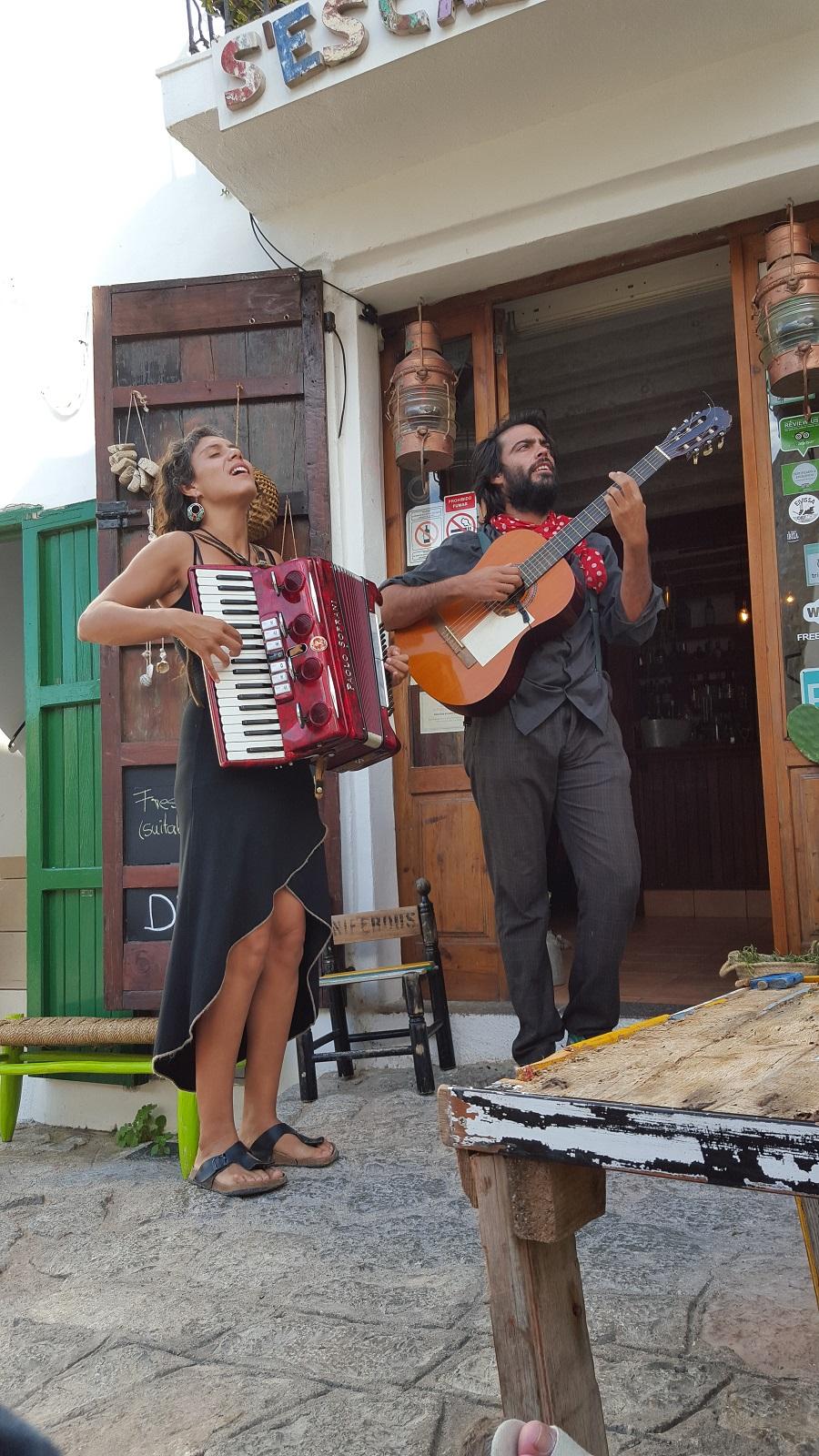 ibiza chanteurs escalina small