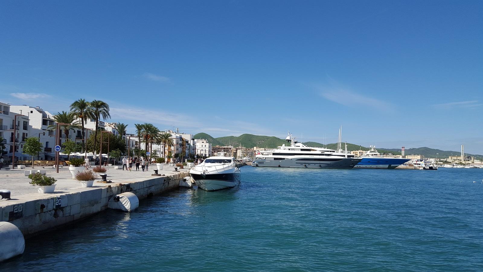 ibiza quai des yachts small