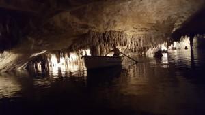 lac martel barque grotte